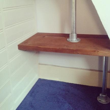 woody-woody_boekenplanken in combinatie met steigerbuizen_03